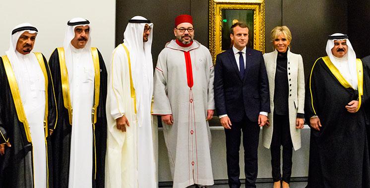 Le Roi Mohammed VI prend part à la cérémonie d'ouverture du musée du «Louvre Abou Dhabi»