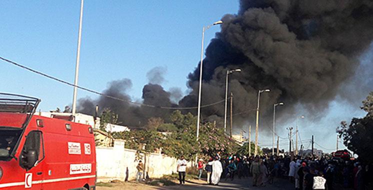 Casablanca: gigantesque incendie dans une usine de tissus d'ameublement à Lahraouiyine