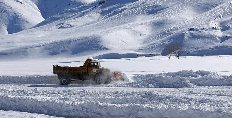 Chutes de neige : Une série de mesures prises pour assurer l'ouverture  des routes  sur 5.880 km