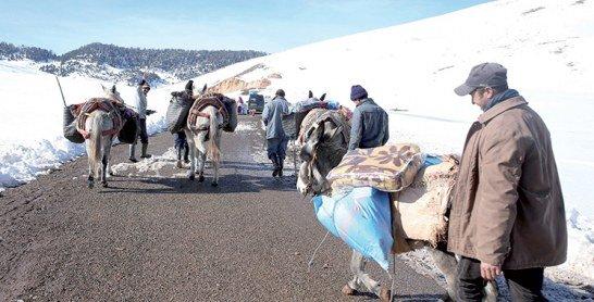Vague de froid : La Fondation Mohammed V pour la solidarité  au chevet de 3.350 familles à Khénifra