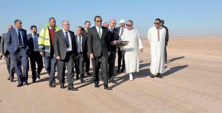 Amara visite le chantier de réalisation d'un tronçon de la voie express Tiznit-Laâyoune