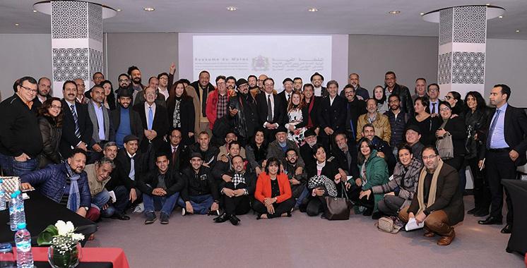 Abdelkrim Benatiq passe un deal avec les artistes : 40 troupes de théâtre donneront 180 spectacles pour les MRE