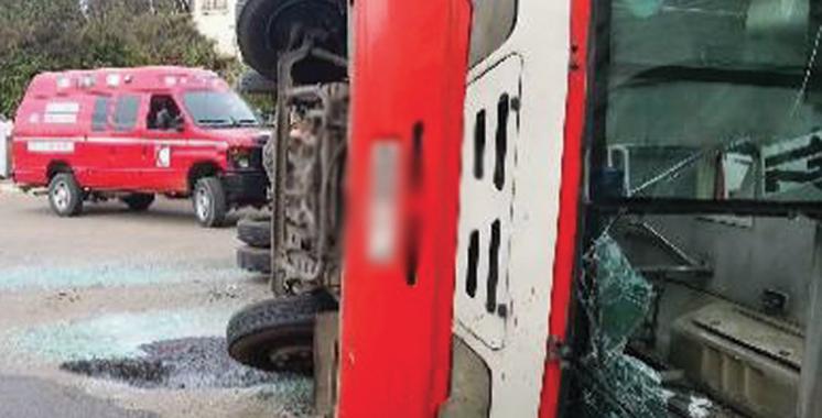Renversement d'un véhicule de transport mixte près d'Essaouira: 17 blessés quittent l'hôpital après avoir reçu les soins nécessaires