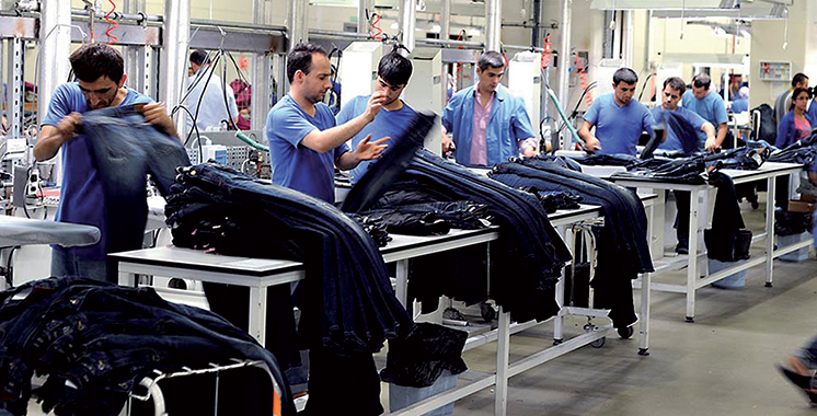 Rétablissement du droit d'importation du textile et habillement turc
