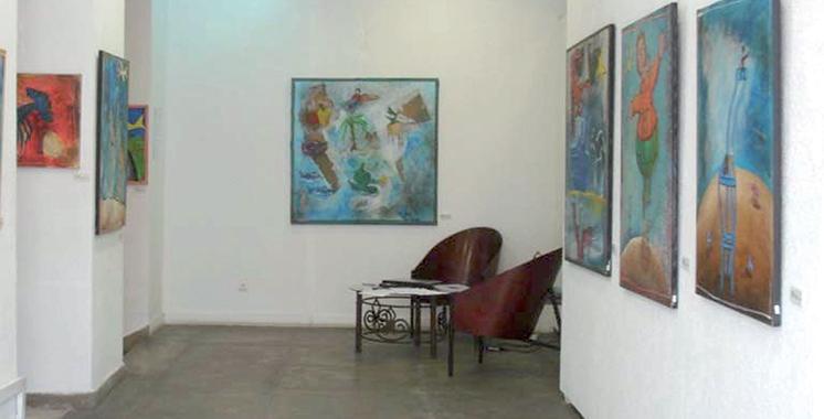 Neuf artistes plasticiens marocains exposent leurs œuvres à Tanger