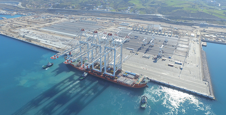 Giant STS Cranes Arrive at APM Terminals MedPort Tangier:Video