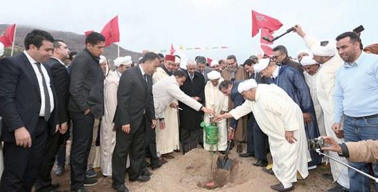 Tiznit-Tafraout : Akhannouch lance plusieurs chantiers en marge du Festival des amandiers
