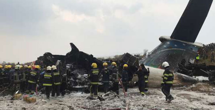 Népal : Un avion de ligne bangladais avec 67 personnes à son bord s'écrase à Katmandou
