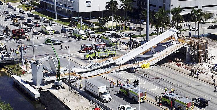 floride l effondrement d un pont pi tonnier sur une autoroute fait plusieurs morts aujourd. Black Bedroom Furniture Sets. Home Design Ideas