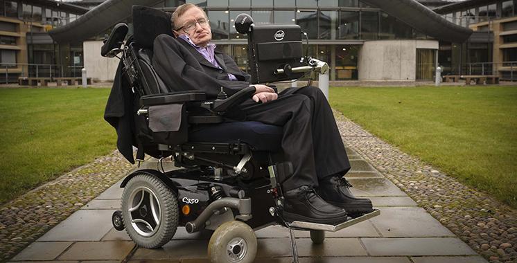 Décès de l'astrophysicien britannique Stephen Hawking
