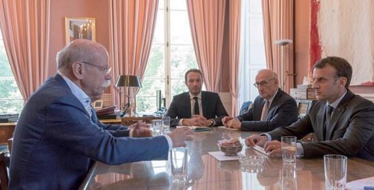 Daimler investit 500 M d'euros en France pour produire une Mercedes-Benz électrique