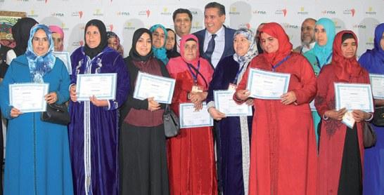 Formation en élevage de poulets fermiers : Akhannouch remet des certificats au profit de 22 femmes rurales