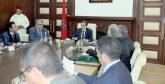 En application de la Constitution : Le gouvernement présentera le bilan de son mi-mandat