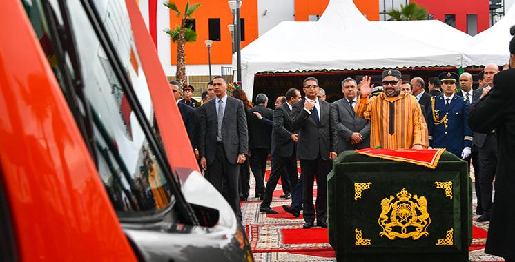 SM le Roi lance la mise en service de la deuxième ligne du tramway de Casablanca