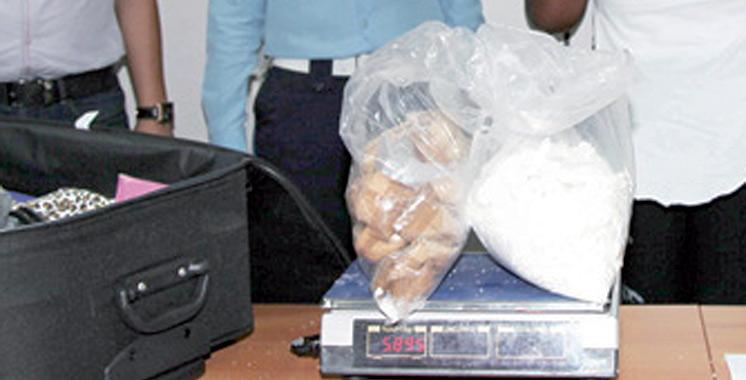 Près d'un kilogramme de cocaïne extrait des intestins d'un ressortissant brésilien