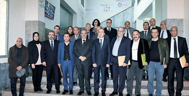 La couverture médicale pour les artistes au centre  d'une réunion à Rabat