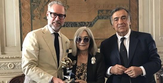 Madison Cox lauréat du prix de la Rosa d'Oro