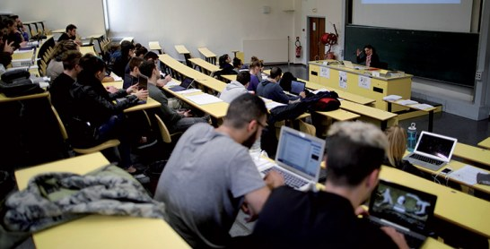 Près de 914.000 étudiants dans les universités  en 2019-2020