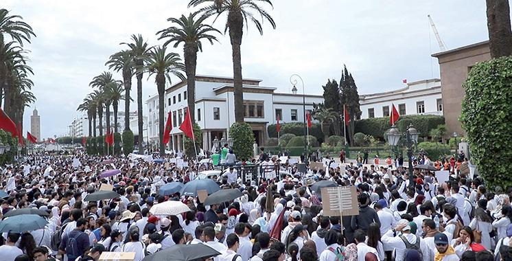 Grèves en série des médecins du public en août
