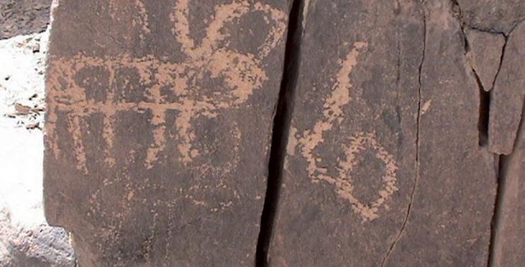 Plusieurs sites de gravures rupestres intègrent le patrimoine national