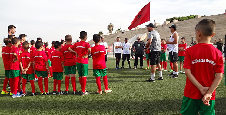 Nador : Plus de 200 enfants bénéficient d'un stage de football