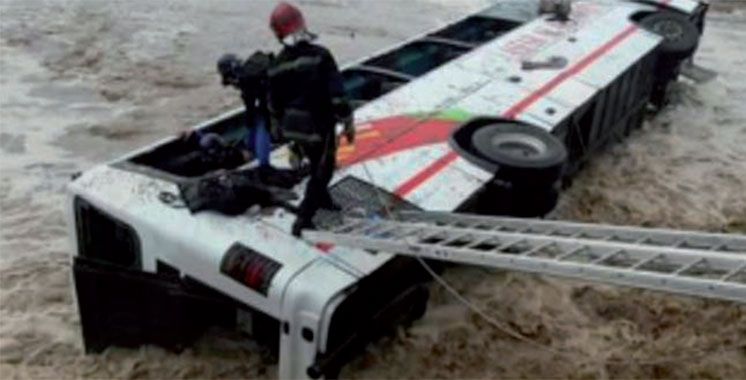 Renversement d'un autocar à Errachidia : Le bilan grimpe à 17 morts