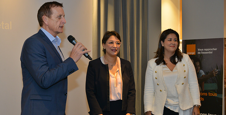 Orange poursuit son engagement en faveur de l'inclusion numérique