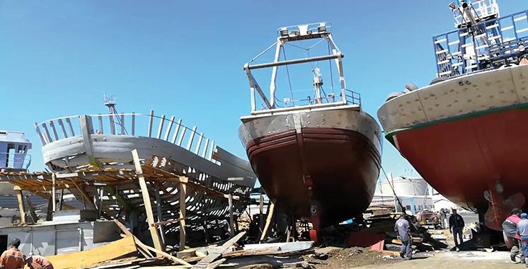 L'opération a coûté 1,6 million de DH : Distribution de barques en polyester au profit des marins pêcheurs de Chtouka