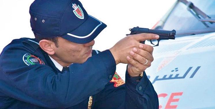 Casablanca:  Deux policiers contraints  de dégainer leurs armes pour interpeller trois individus