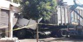 Un camion dérape, le chauffeur légèrement blessé