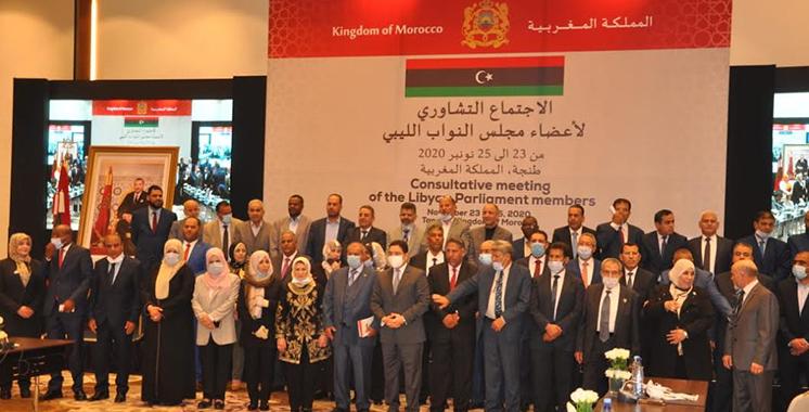 Plus de 100 députés libyens en conclave à Tanger