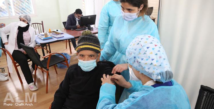 Covid-19: Report des vaccinations programmées pour le 1er mai au 3 mai 2021