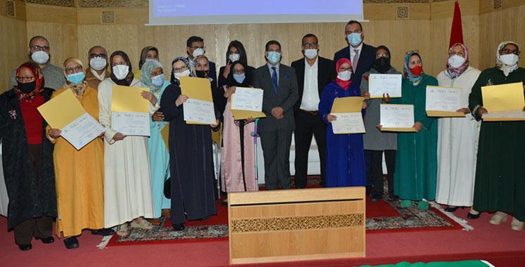 Nadia Fettah et Amzazi congratulent 317 artisans