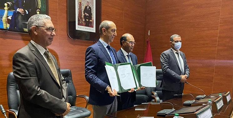 Convention entre le département de l'environnement et le Cnesten : Pour l'analyse de ressources naturelles  via des techniques nucléaires