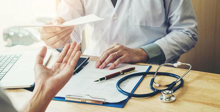 Ordonnance médicale :  Les médecins obligés  de soigner leur écriture