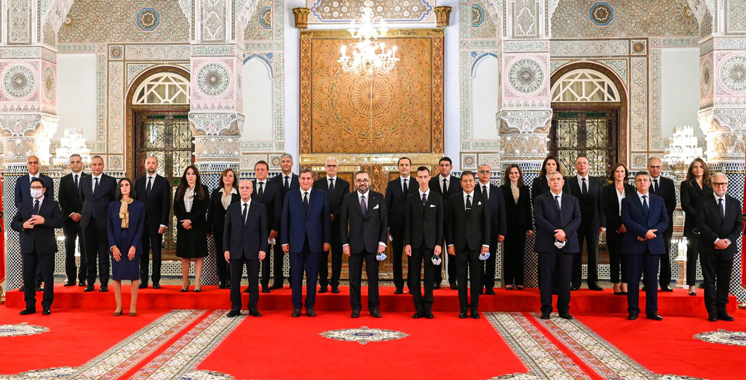 Liste des membres du nouveau gouvernement selon l'appartenance politique